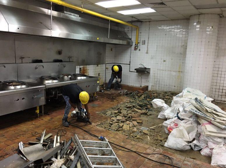 020816 Toolbox meeting at Marriott hotel. Plumbing ah soon - 5 workers. Builders Aritz - 10 workers